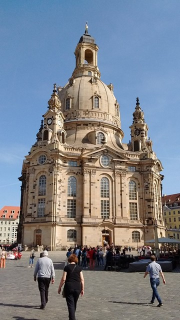 germany-dresden-frauenkirch-outside